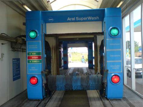 Auto Waschanlage by Waschanlage Aral 246 Ffnungszeiten G 252 Nstig Auto Polieren Lassen