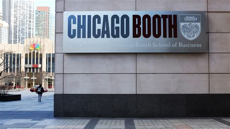 Chicago Mba Ranking by Of Chicago S Booth School Tops U S News List