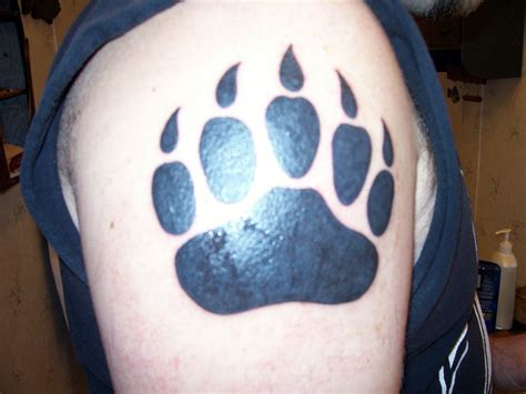 bear paw tattoo paw designs cool tattoos bonbaden