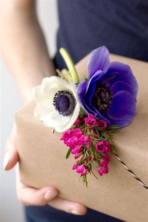 diy fresh flower gift tags gift wrapping gift tags and - Gift Wrapping Flowers