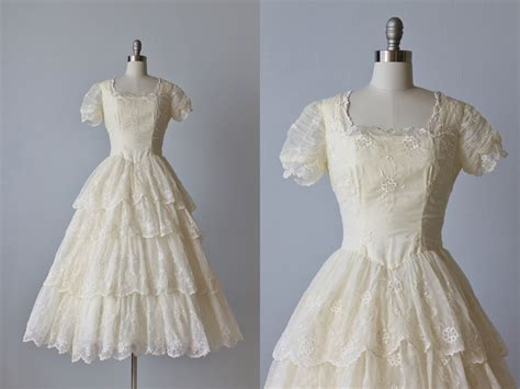 1950s wedding dress 1950s lace and chiffon wedding gown 1950s wedding dress 1950s lace wedding gown eyelet dress