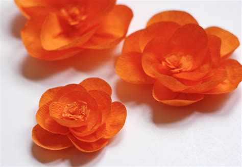 How To Make Flower In Crepe Paper - make flowers from crepe paper how about orange