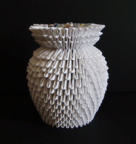 How To Make A 3d Origami Flower Vase - 3d origami vase by sabrinayen on deviantart