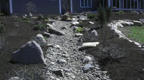Landscape Edging To Divert Water Landscaping Landscaping Ideas To Divert Water