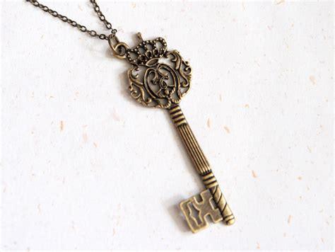 key to royal crown key necklace n170