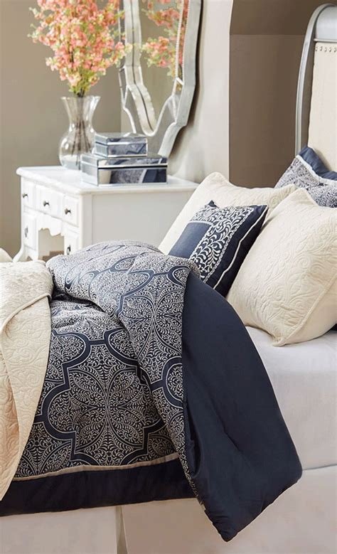 Navy Bed by Best 25 Navy Blue Comforter Ideas On