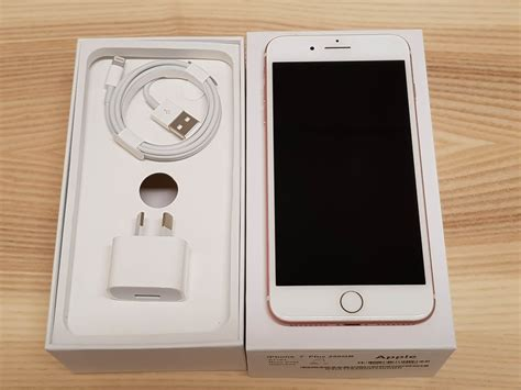 apple iphone   rose gold gb excellent condition