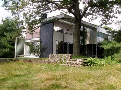 gropius house file gropius house lincoln massachusetts view from side rear jpg wikipedia