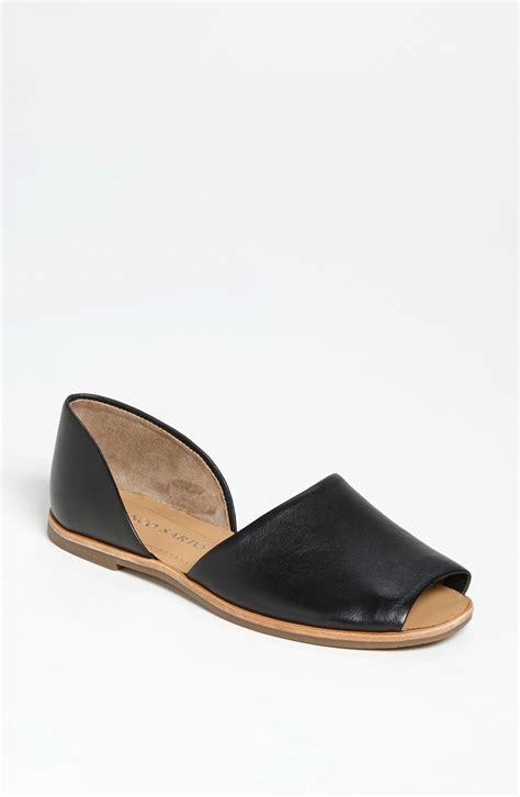 franco sarto flat shoes franco sarto venezia flat in black black leather lyst
