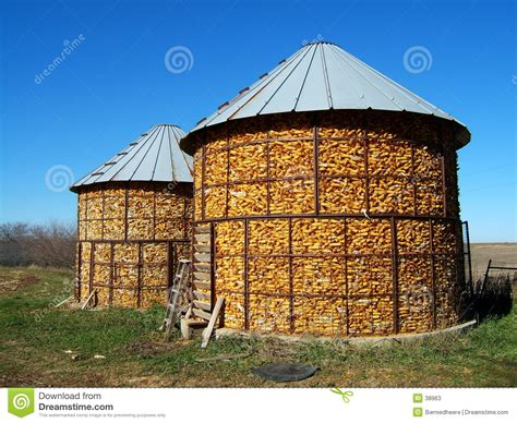 Big Corn Crib by Ancient Brick Structure What Is It Redflagdeals