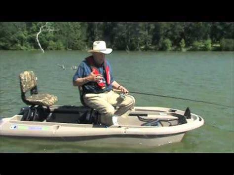 bass fishing small boat ray w scott jr on the twin troller x10 small bass