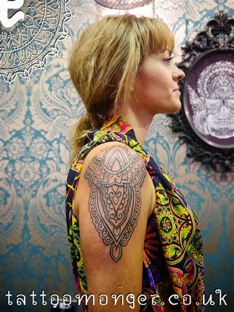 london tattoo david barclay london tattoo teresa s lovely henna inspired peace by