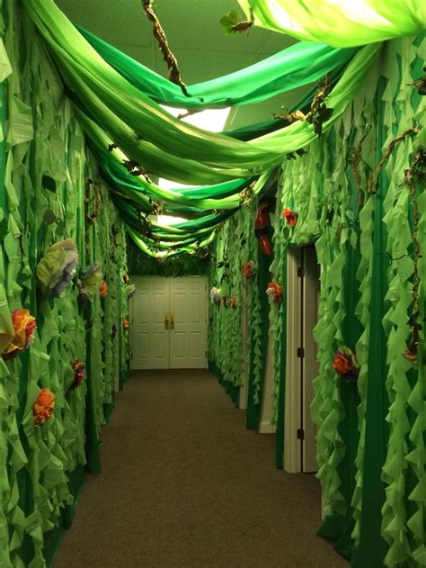 jungle theme decorations best 25 jungle theme ideas on jungle theme