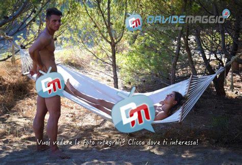 nudità in casa l isola di adamo ed i concorrenti nudi foto senza