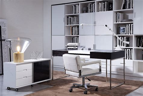 create a healthy workstations with ergonomic office