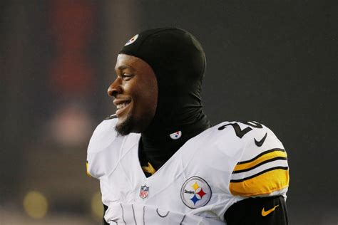 Rb Bell steelers rb bell to report before season