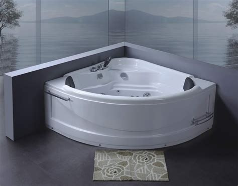 vasche idromassaggio whirlpool vasca idromassaggio 130x130 pompa whirlpool
