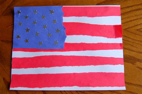 American Paper Crafts - simple flag craft i crafty things