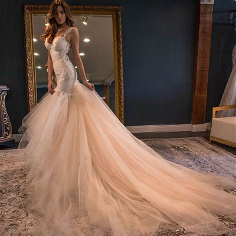 Elegant Sweetheart Court Train Mermaid Wedding Dress