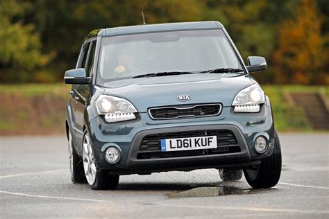 Kia Soul 2009 Review Kia Soul Hatchback Review 2009 2013 Auto Express