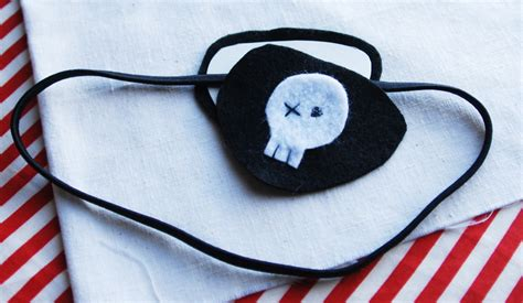 How To Make A Pirate Eye Patch Out Of Paper - diy pirate eye patch for