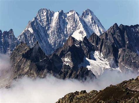 winterurlaub alpen hütte lauteraarhorn