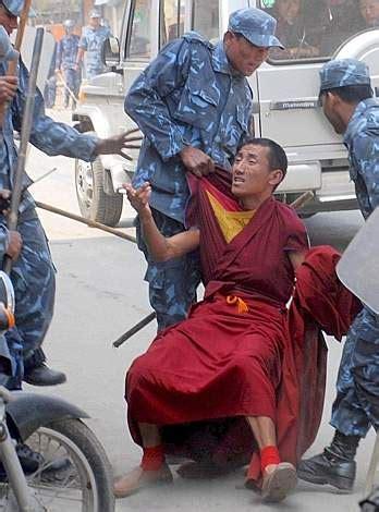 consolato cinese firenze firenze negato presidio radicale in difesa popolo