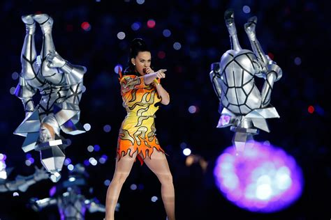 katy perry new tattoo 2015 katy perry super bowl halftime show singer gets xlix
