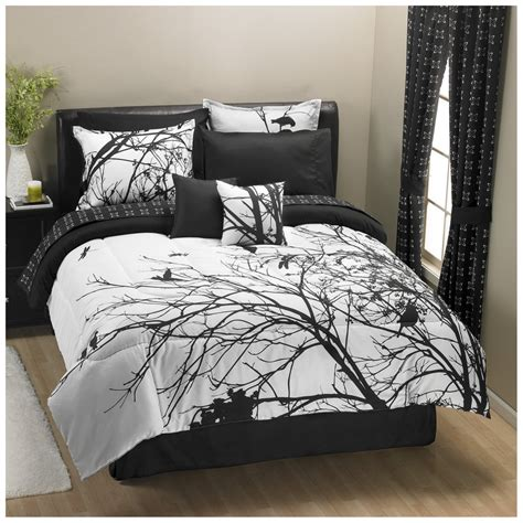 black sheets white comforter 25 awesome bed sets for your home toile bedding white