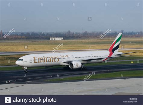 emirates yvr 777 stockfotos 777 bilder alamy