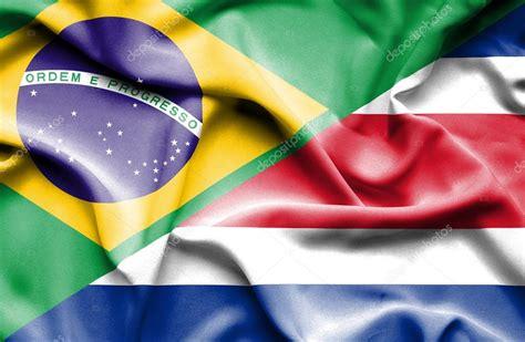 wapperende vlag costa rica en brazili 235 stockfoto