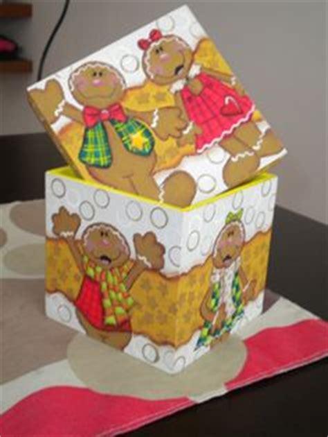 como decorar una caja redonda de galletas cajas de madera pintadas a mano on pinterest decoupage