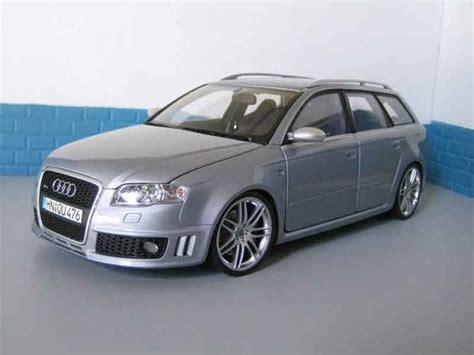 Audi RS4 avant grau Minichamps modellauto 1/18 Kaufen/Verkauf modellauto Online modellautos.at