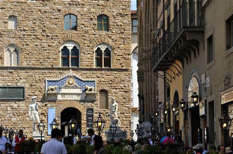 piazza della signoria view art  luxury apartments