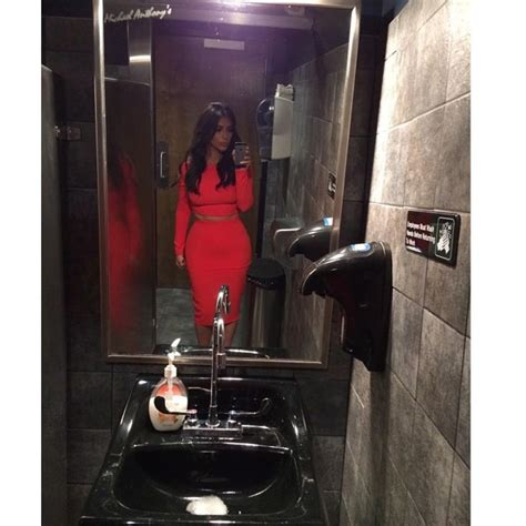kim kardashian bathroom kim kardashian selfie photos kim kardashian s hottest