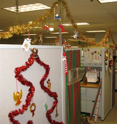 cubicle holiday decorating contest themes 5 ideas for recognizing reps during customer service week paperdirect