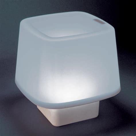 le de chevet sans fil le 224 poser tactile avec led autonomie 3h sans fil hauteur 14 5 cm cube incidence