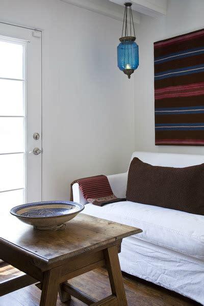 casual luxe interiors   sleek spacious
