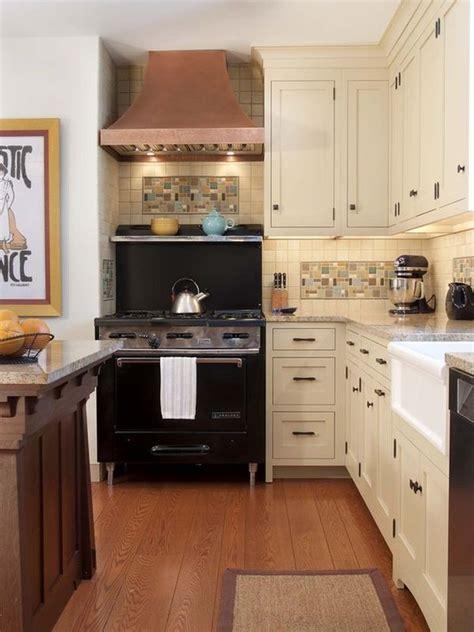 traditional kitchen backsplash kitchen backsplashes that make a splash