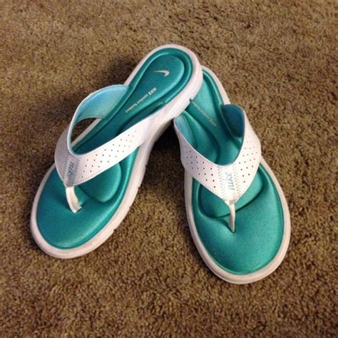 nike memory foam slippers nike nike memory foam sandals sz 9w from donna s