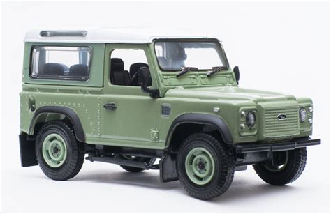 land rover britains britains 43110a1 land rover defender heritage ltd edition