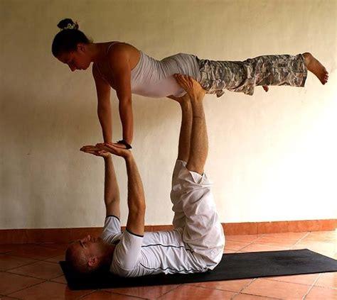 imagenes de yoga en pareja faciles partner yoga michael ducharme