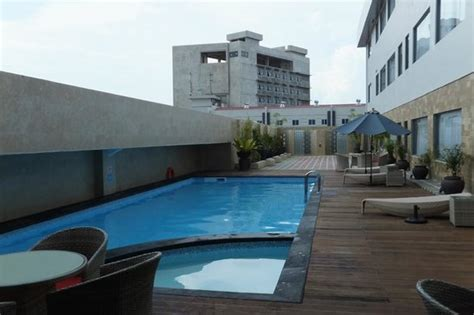 Hotel Swiss Bell Batam swimming pool picture of swiss belhotel harbour bay