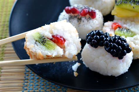 Sweet Sight Sushi Cookies by Sushi Dolce Alla Frutta Unicorns Eat Cookies