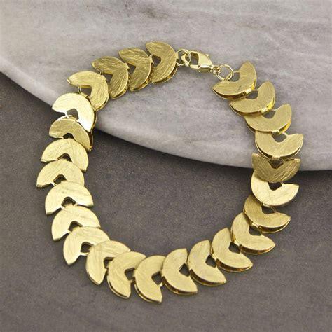 brushed gold laurel bracelet by gaamaa