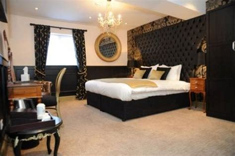 Black And Gold Bedroom Design Ideas Black And Gold Bedroom Design The Interior Design