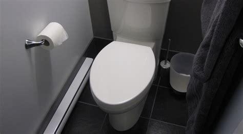 Nettoyer Toilettes Très Sales by Comment Vider L Eau Des Toilettes Maison Design Apsip