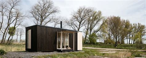 Cabin Style Houses ark shelter is a mobile home for any location