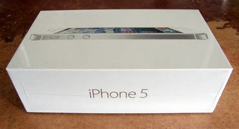 new year 5 box iphone 5 box my new iphone 5 it is the white and