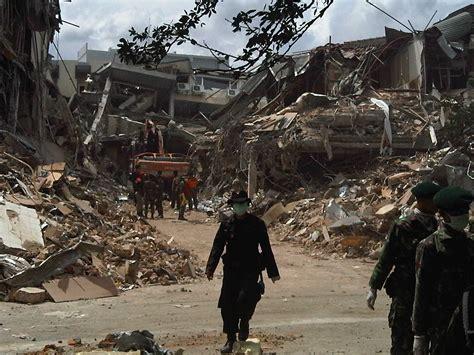 Gempa Bumi gempa padang dery1 s